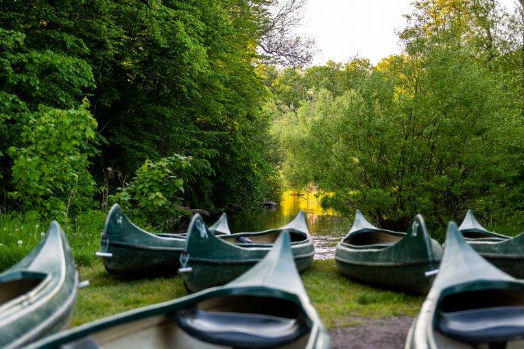 Kanoter vid Rönne å i Stockamöllan