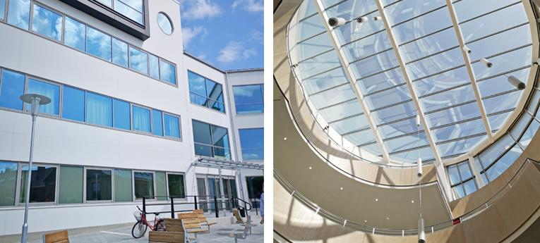 Bilder från den nya byggnaden på Carl Engström-skolan; en på fasaden och en från insidan på glastaket.