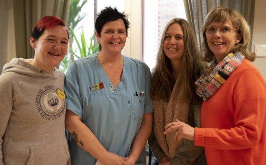 Bild på tre av kommunens specialistutbildade undersköterskor.