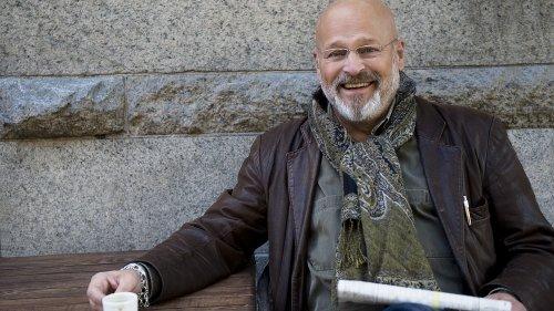 Standup på gården: Thomas Oredsson och komikerstafett