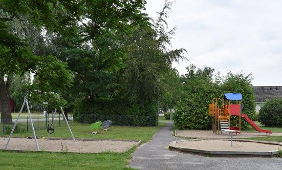 harlosa bibliotek lekplats