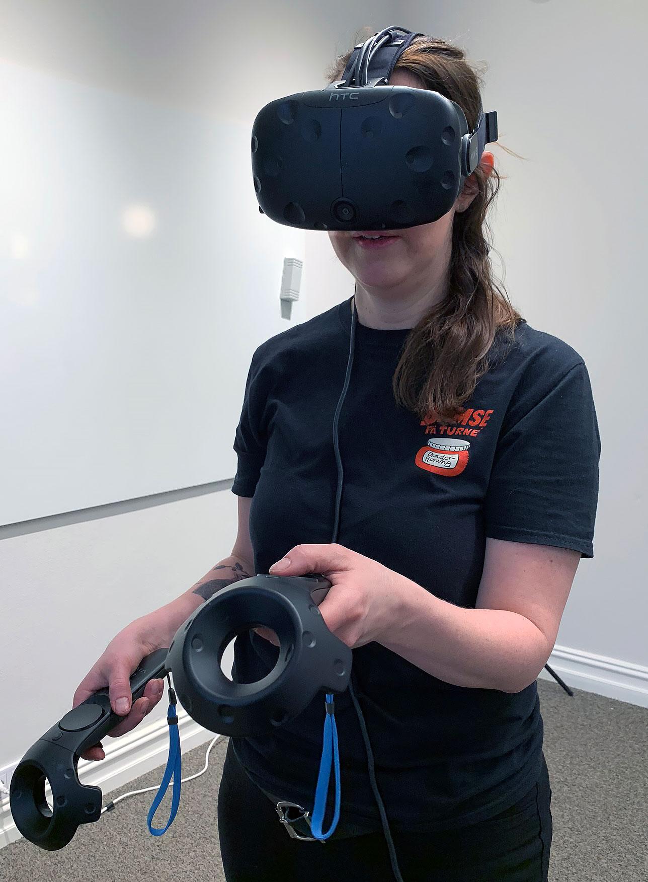 Test av VR-glasögon och handkontroller